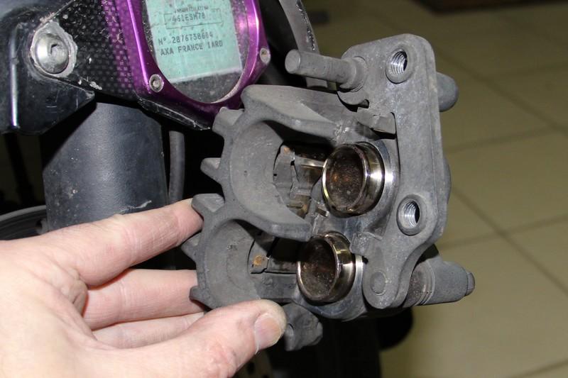 D grippage des triers de freins judasbricot - Se couper le frein du gland soit meme ...